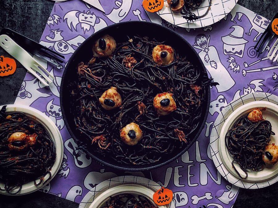 泰國鬼也要過萬聖節之泰式花枝丸海鮮墨魚麵