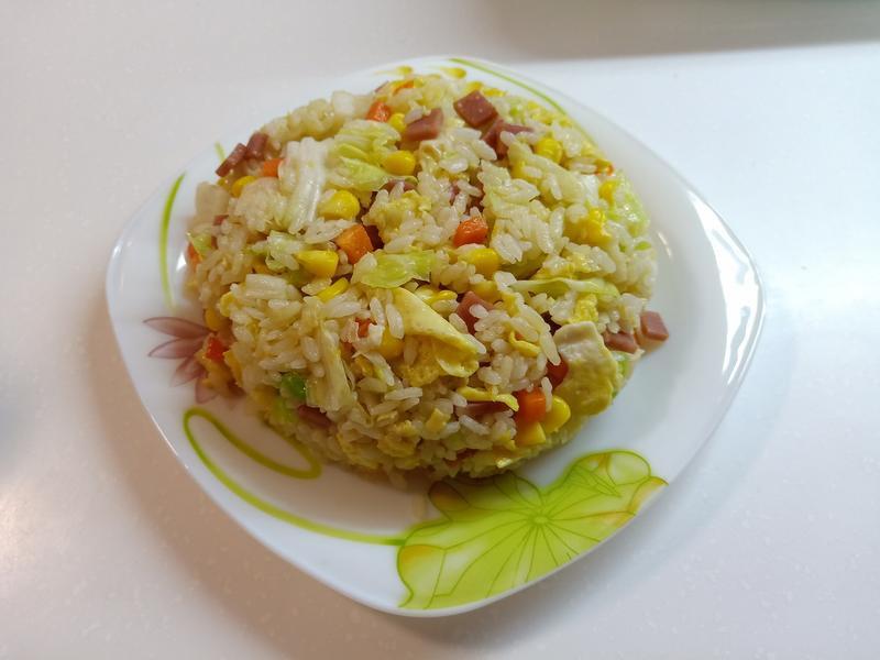 高麗菜火腿炒飯