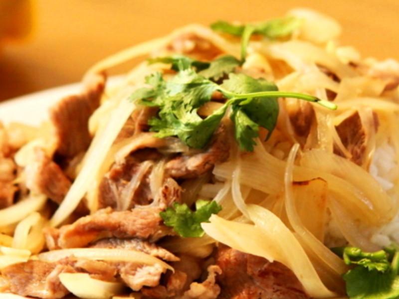【哇菜】 洋蔥豬肉燴飯