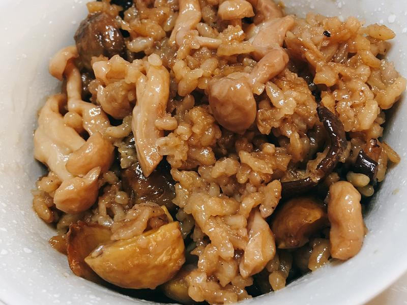 栗子麻油雞飯