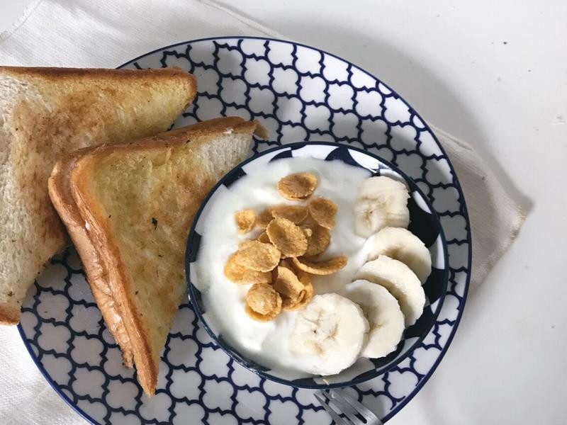 鮪魚起司三明治&優格 早餐