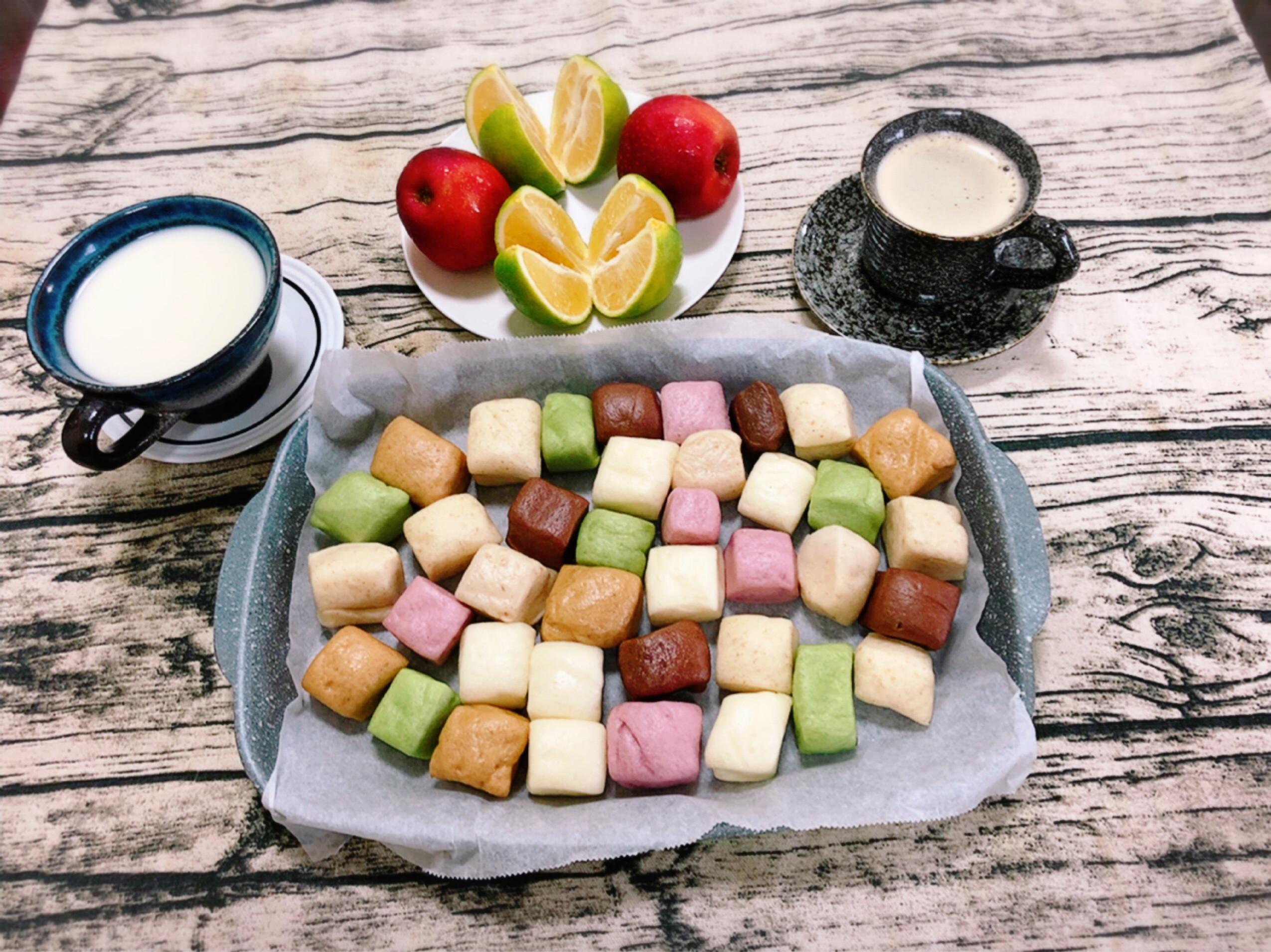 簡單的早餐-水波爐加熱小饅頭