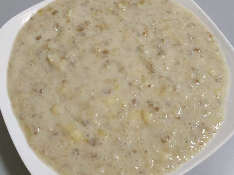 熬制高度粘稠豆浆香蕉燕麦粥