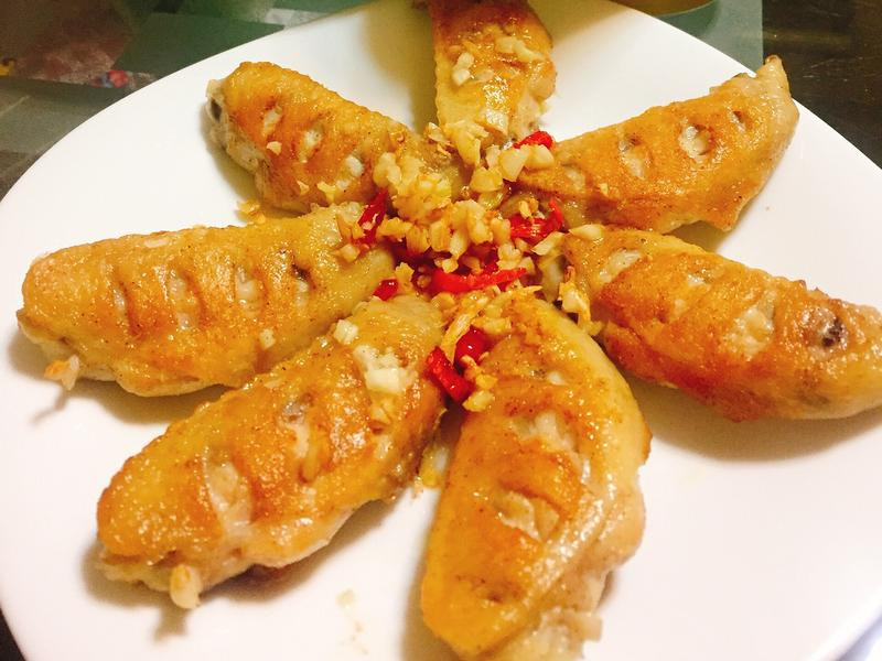 蒜香椒鹽雞翅
