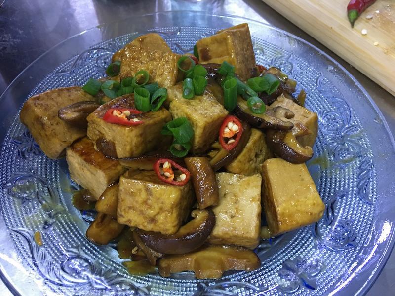 小蘋果之醬燒鐵板豆腐~南京旗萬用鍋
