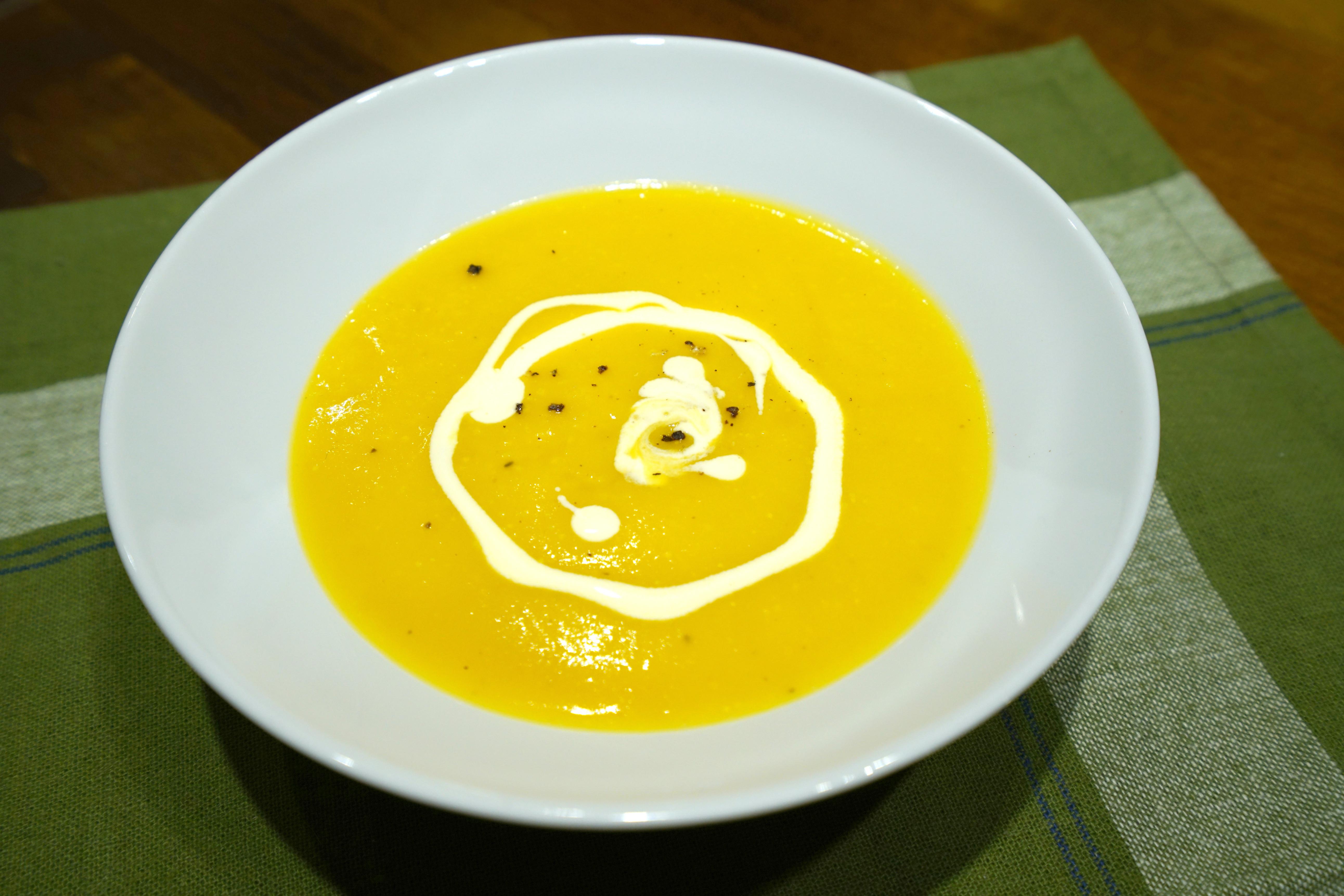 簡易南瓜濃湯。用烤南瓜做的