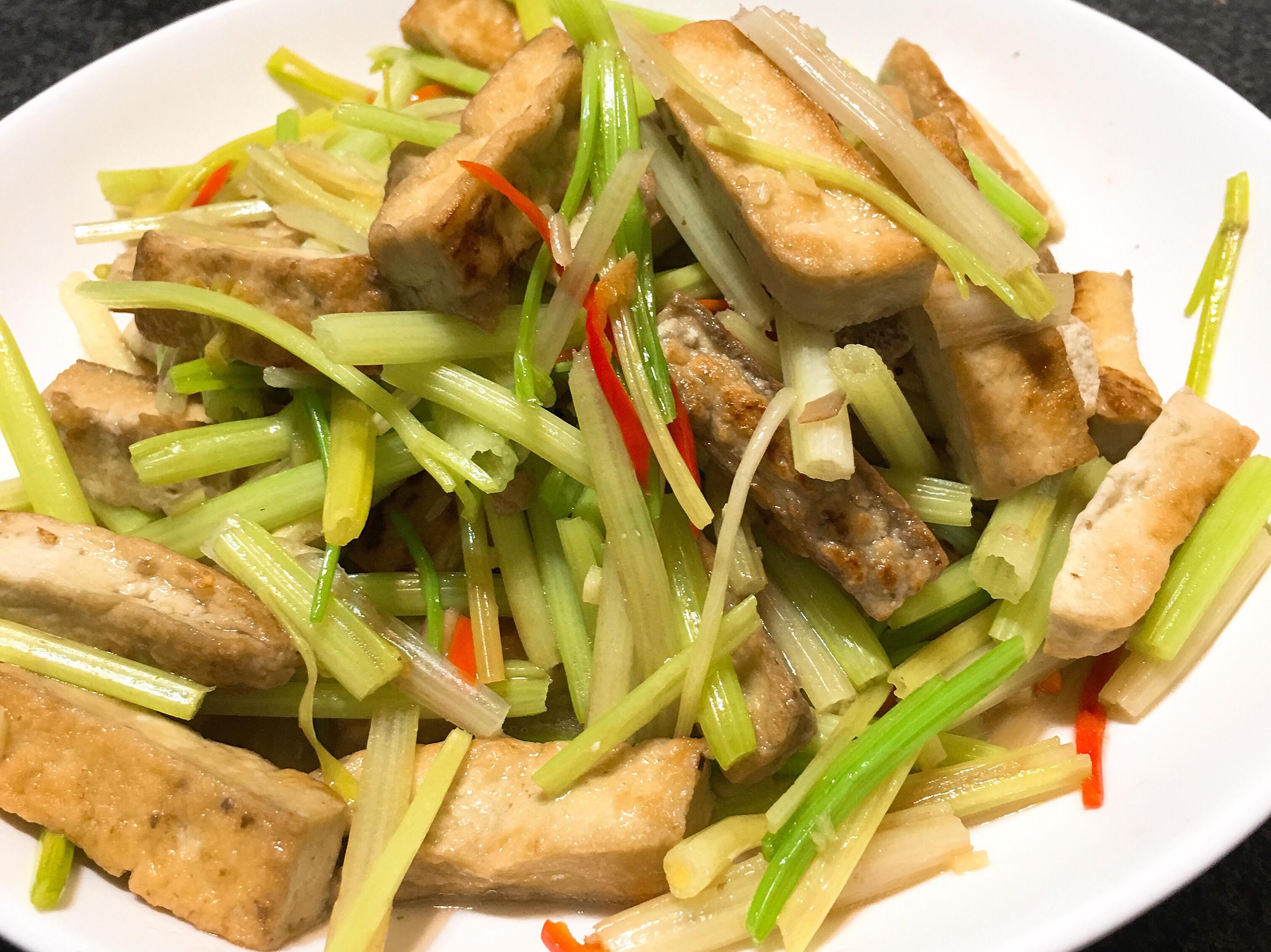 香芹炒臭豆腐~全素