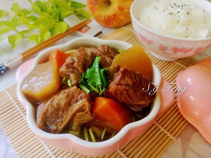 蘿蔔滷牛肋條(WMF快力鍋)