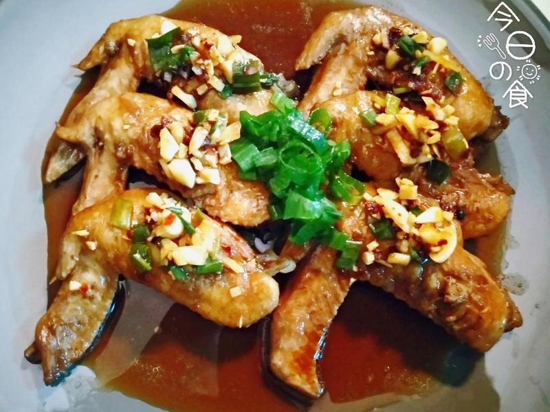 同鍋料理出2菜【醬香白蘿蔔、吮指酱雞翅】