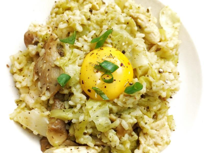 中西合併-高麗菜蛋黃雞肉燉飯