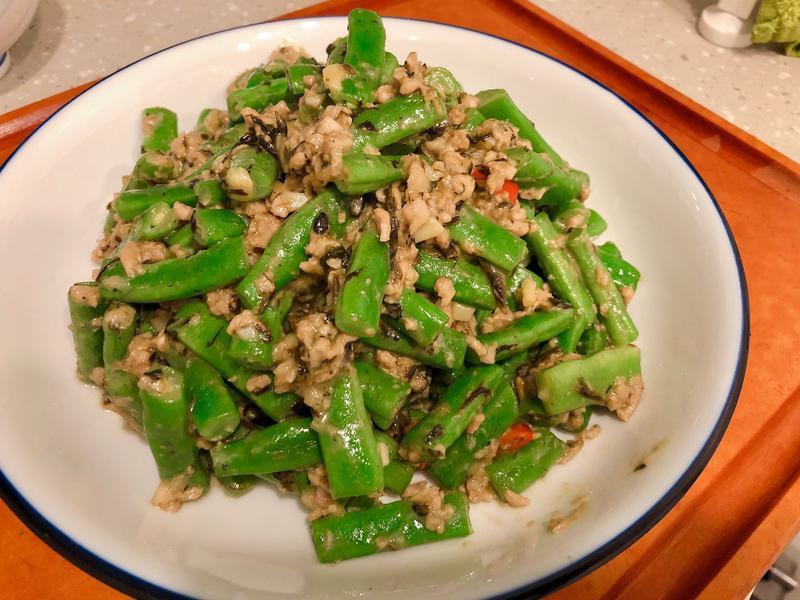 欖菜肉碎炒四季豆