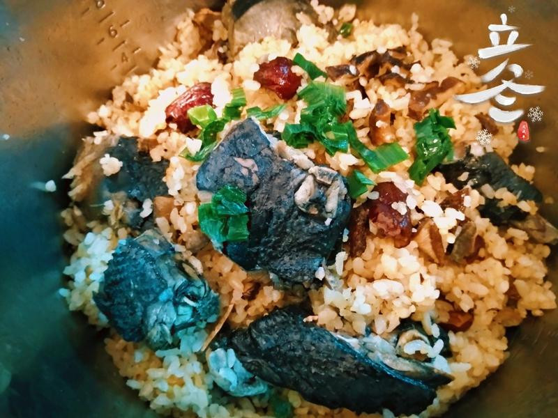 麻油香菇雞飯(簡單電鍋煮)