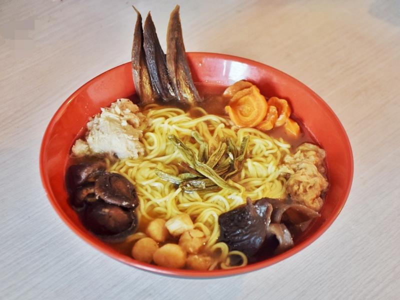 會津燴湯雞肉醬油拉麵