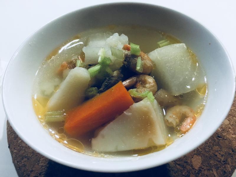利用冰箱剩下的食材做好彩頭之蘿蔔糕雞湯