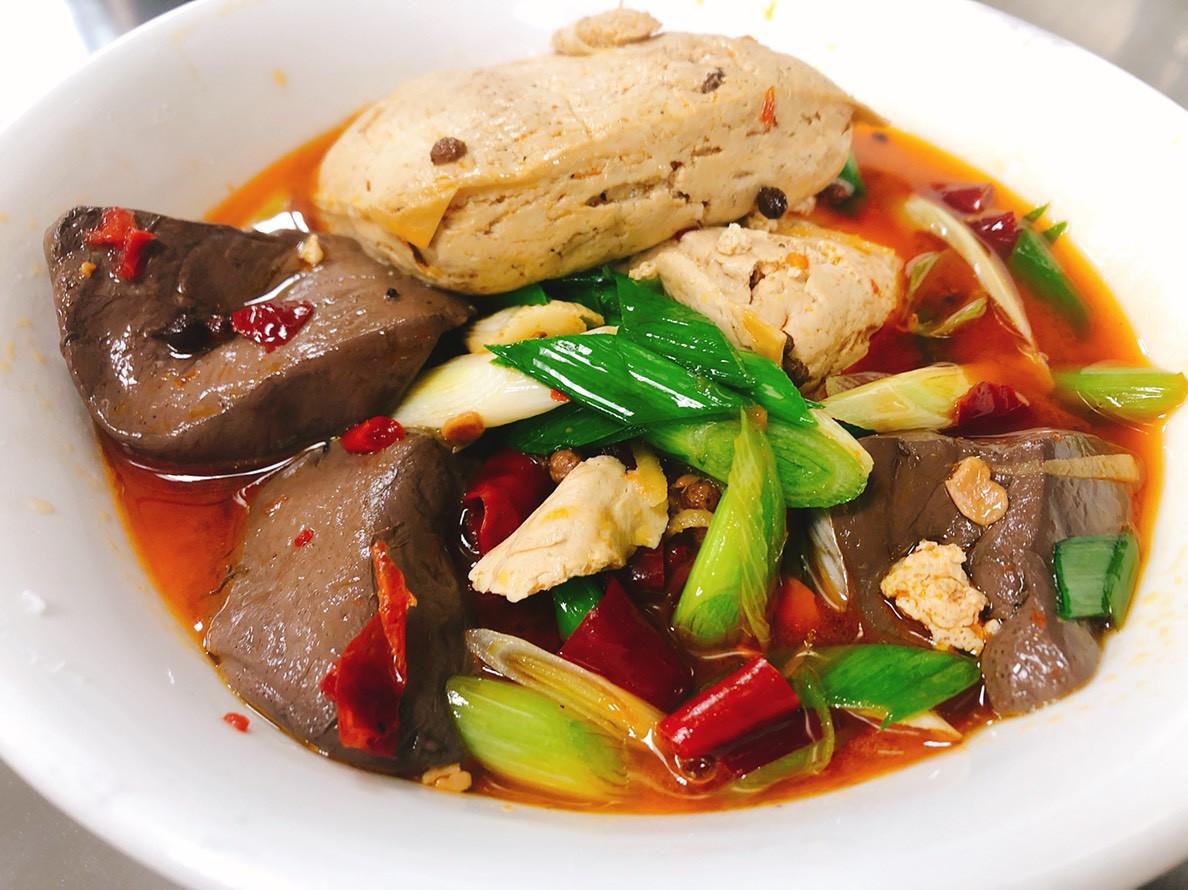 麻辣臭豆腐 + 五更腸旺
