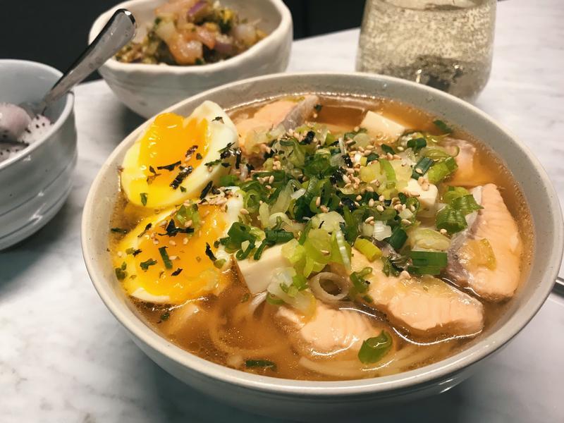 味噌醬油三文魚豆腐偽拉麵