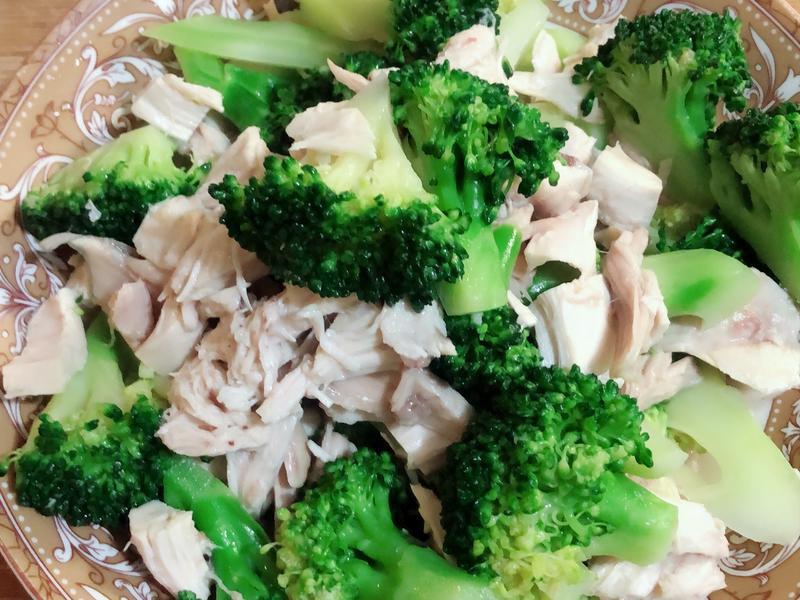 涼拌雞肉花椰菜