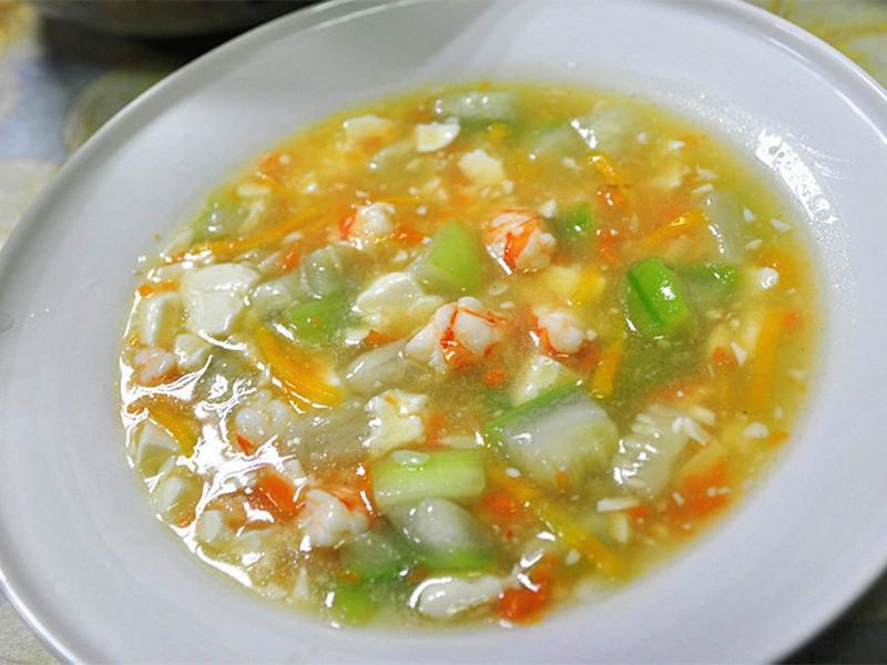 【趁熱品嚐】鮮蝦豆腐絲瓜煲