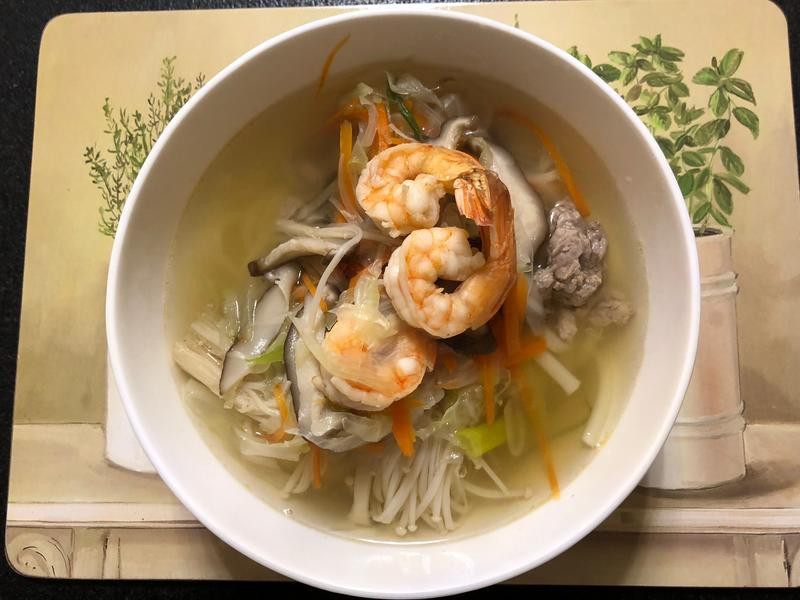 蝦仁蔬菜湯麵
