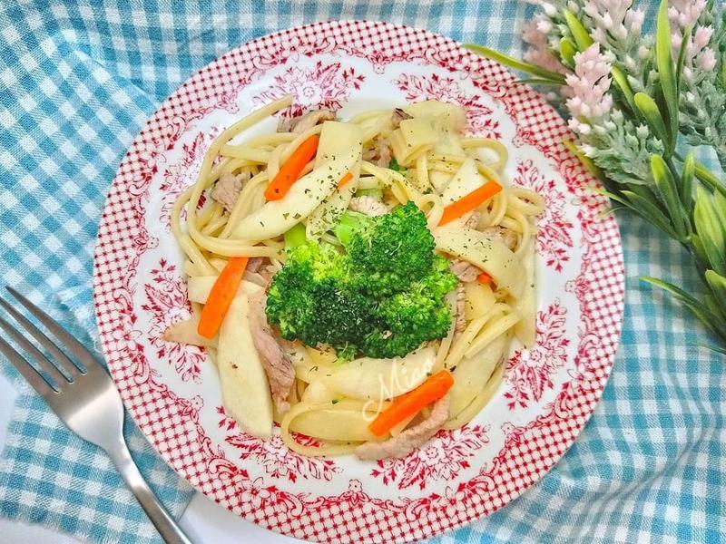 奶油蒜香茭白筍義大利麵