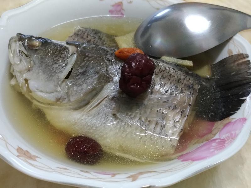 紅棗鱸魚湯