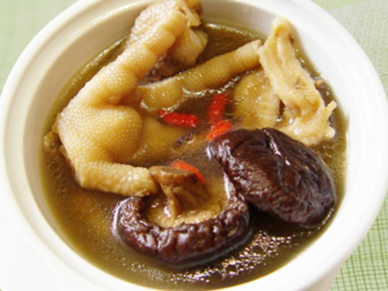 【厚生廚房】鳳爪香菇湯