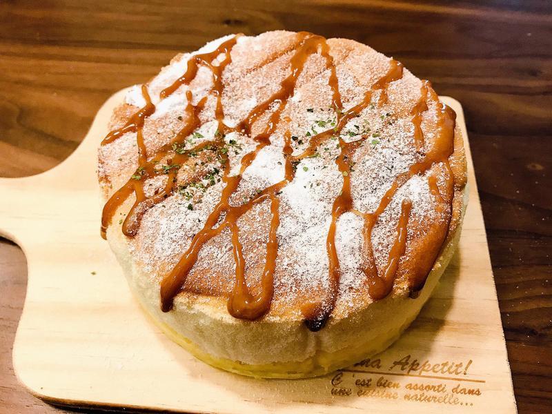 焦糖卡士達海綿蛋糕