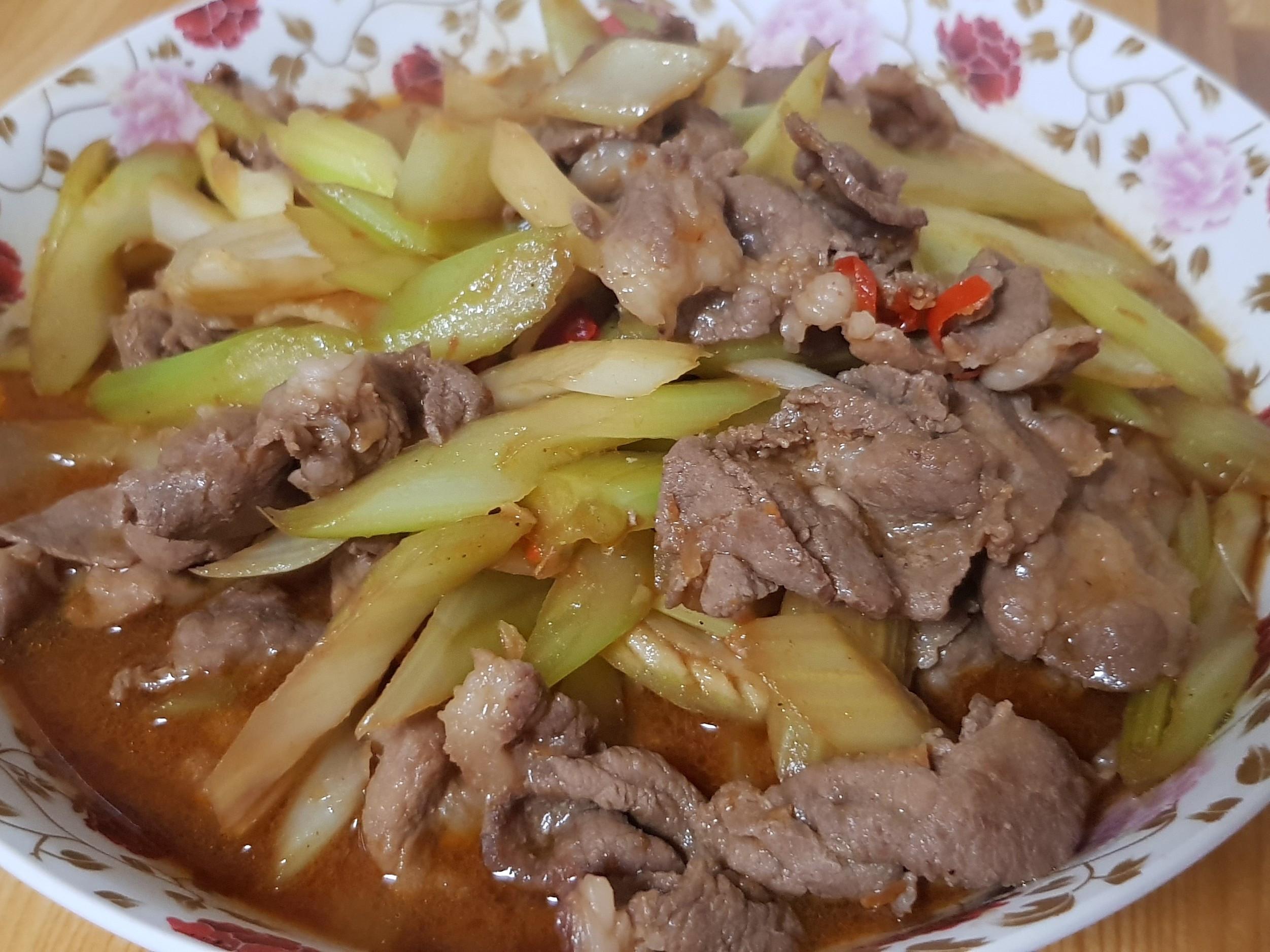 西洋芹炒肉片