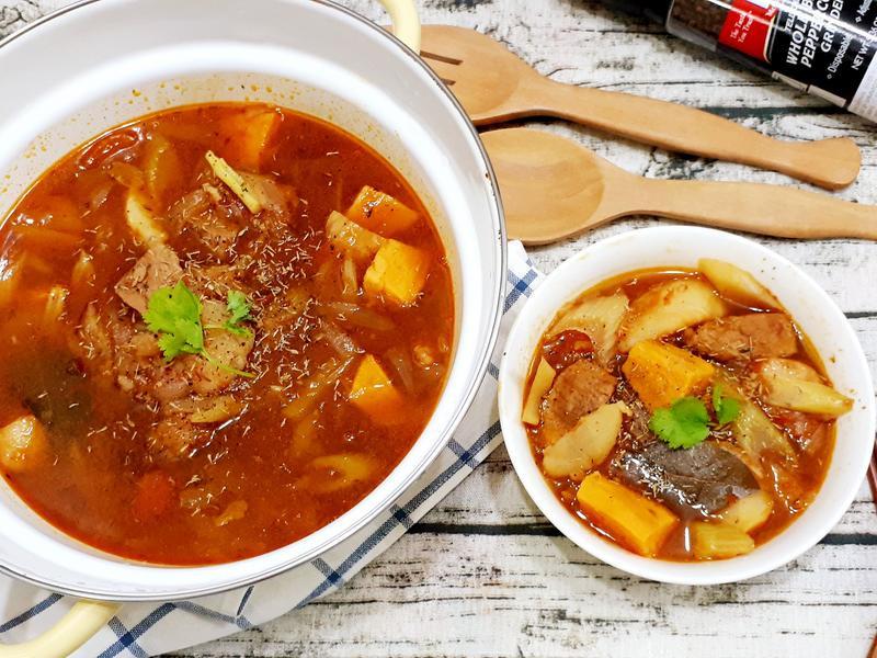蕃茄豬肉馬鈴薯燉菜