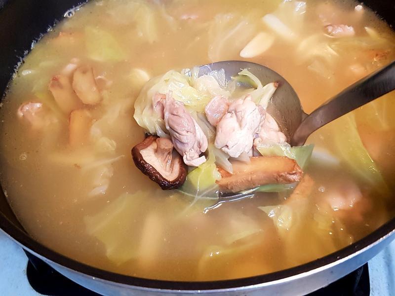 薑母麻油雞湯