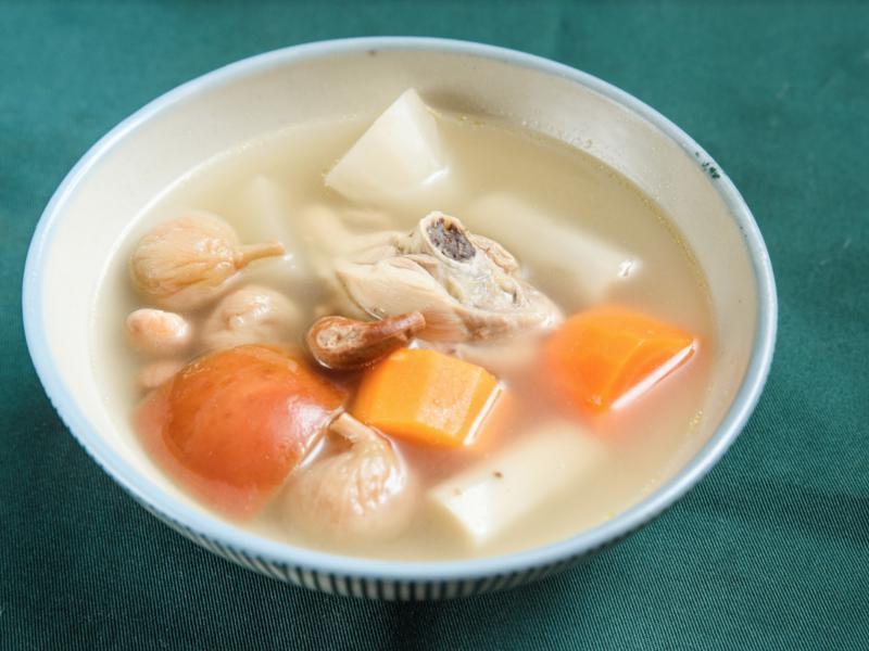 豐沛清雅的維根雞湯