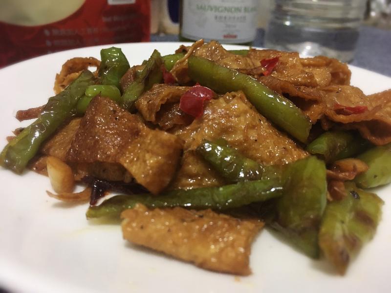 豆皮炒青龍椒(小菜)