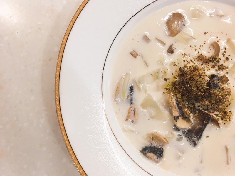 蘑菇洋蔥濃湯