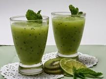 豐胸果汁:奇異果蜂蜜汁