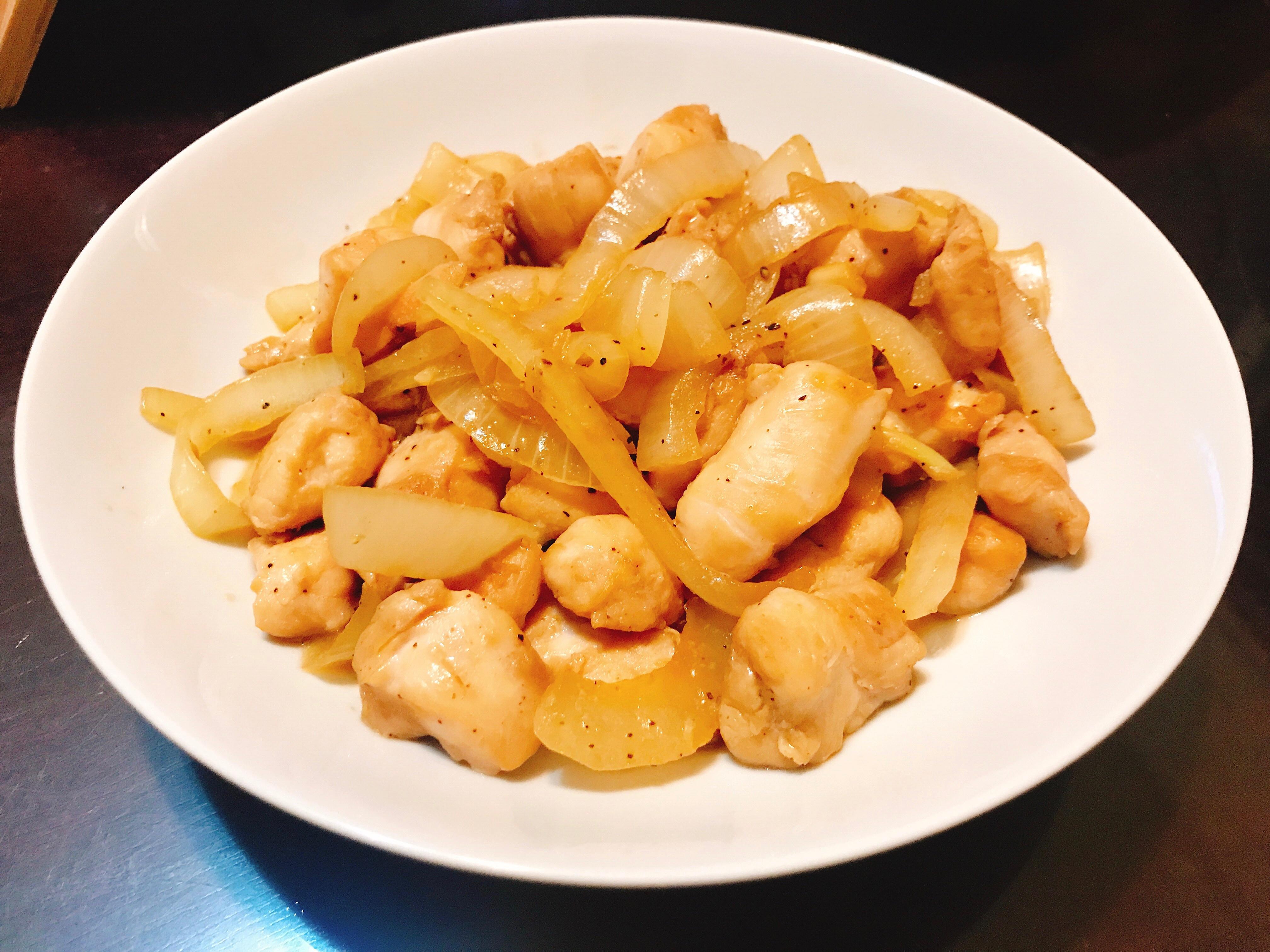 洋蔥炒黑胡椒雞肉