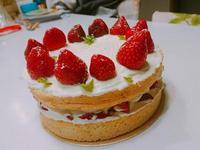 草莓戚風蛋糕