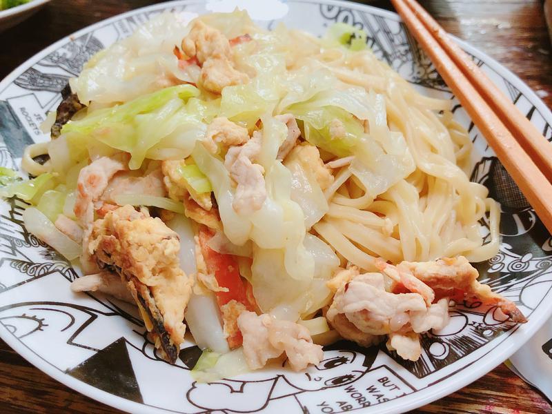 高麗菜什錦炒麵