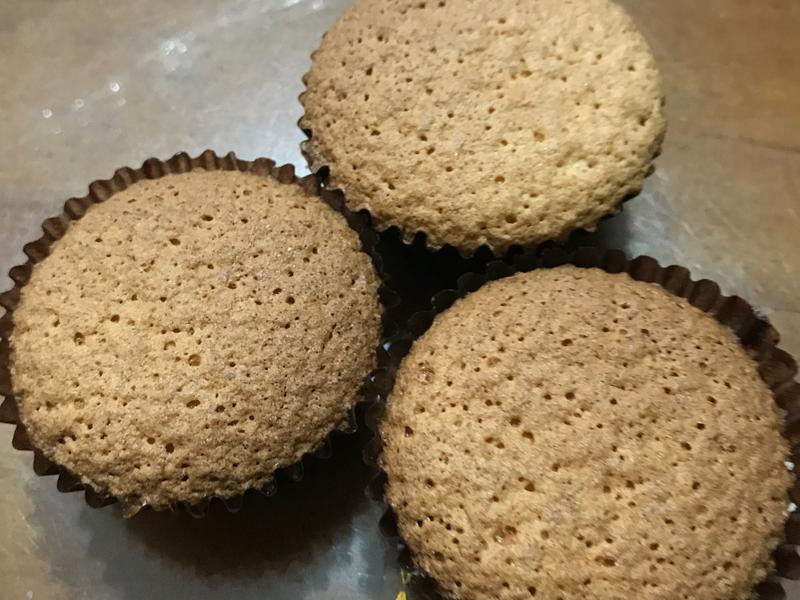 海棉杯子蛋糕-Tinrry食譜(分蛋法)