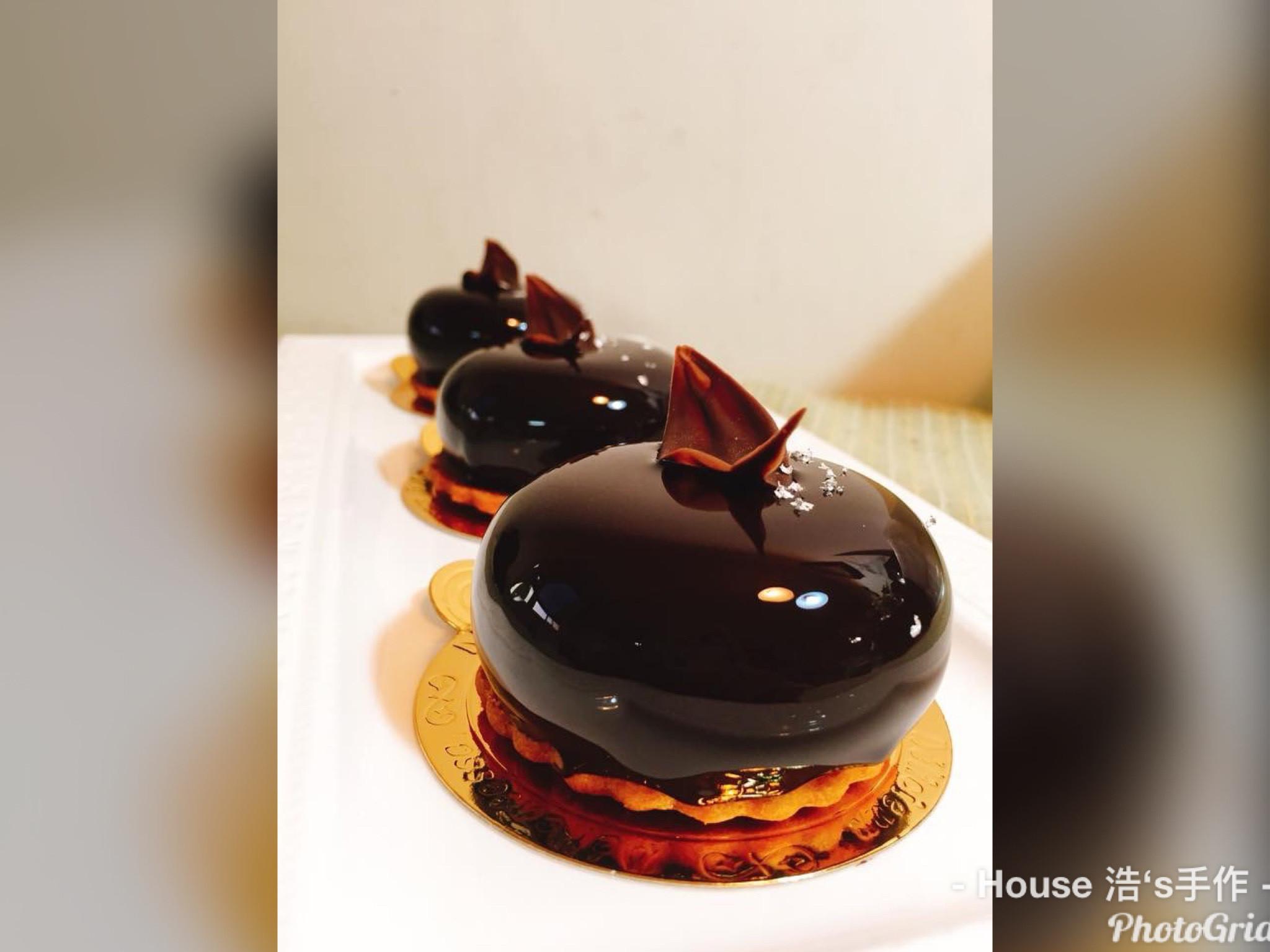 巧莓之曲(巧克力鏡面慕斯+草莓凍)