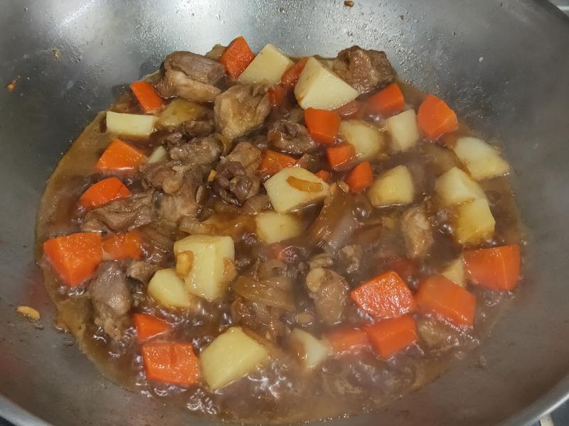 私房菜~馬鈴薯燉肉