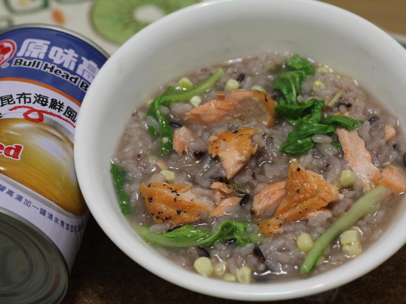 鮭魚蔬菜水果玉米粥(牛頭牌高湯)