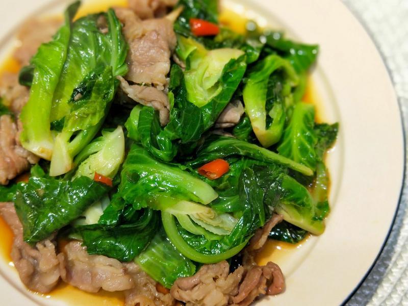泰式梅花肉炒高麗菜心