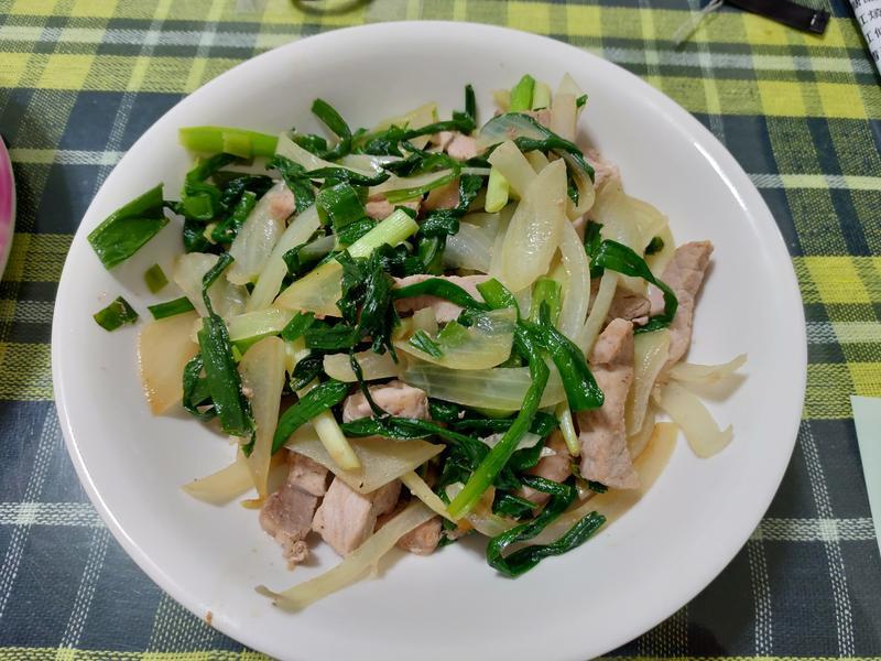 韭菜洋蔥炒豬肉