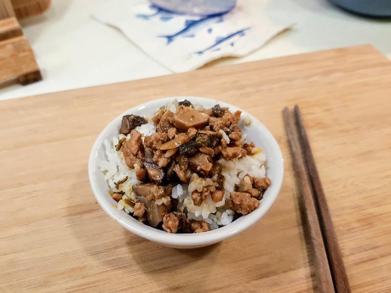 香菇剝皮辣椒肉燥