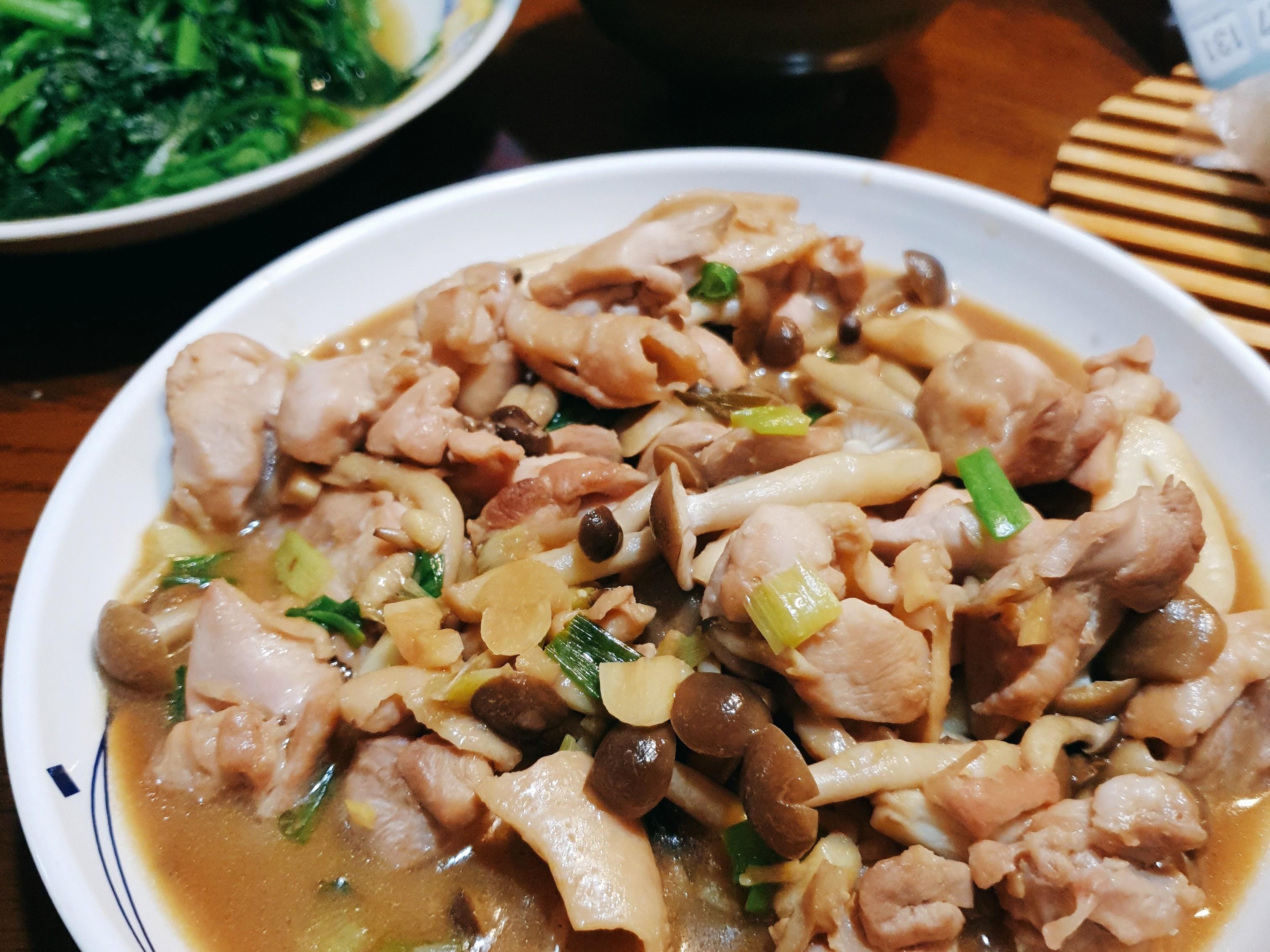 媽媽味醬炒菇菇雞