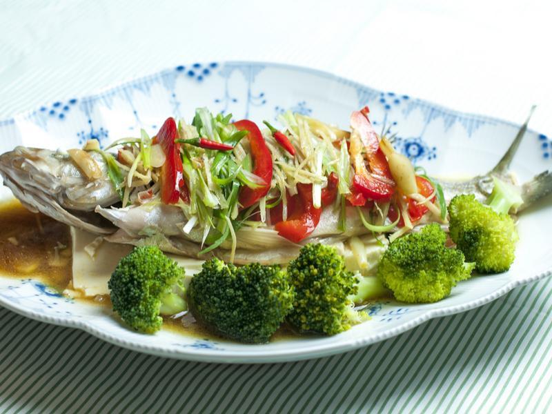 油淋清蒸鱸魚--電影美食端上桌