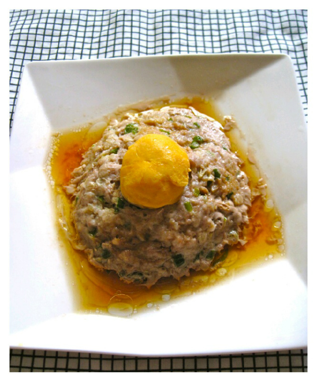 【大同電鍋料理】鹹蛋蒸肉
