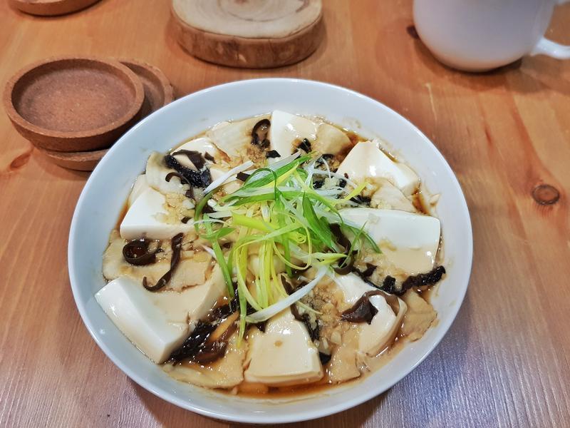 剝皮辣椒蒸魚片豆腐