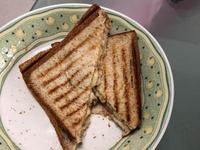 帕尼尼全麥玉米鮪魚起司吐司(小v鬆餅機)