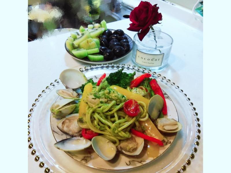 青醬雞肉蛤蜊義大利麵